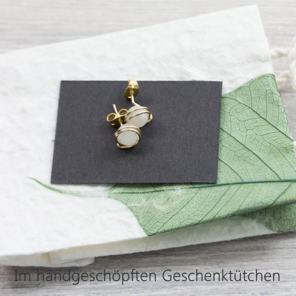 Ros/é vergoldete Edelstein-Ohrstecker mit echtem Regenbogen-Mondstein//sehr hochwertige und haltbare Vergoldung//Design und sorgf/ältigste Handarbeit von Silber/&Stein
